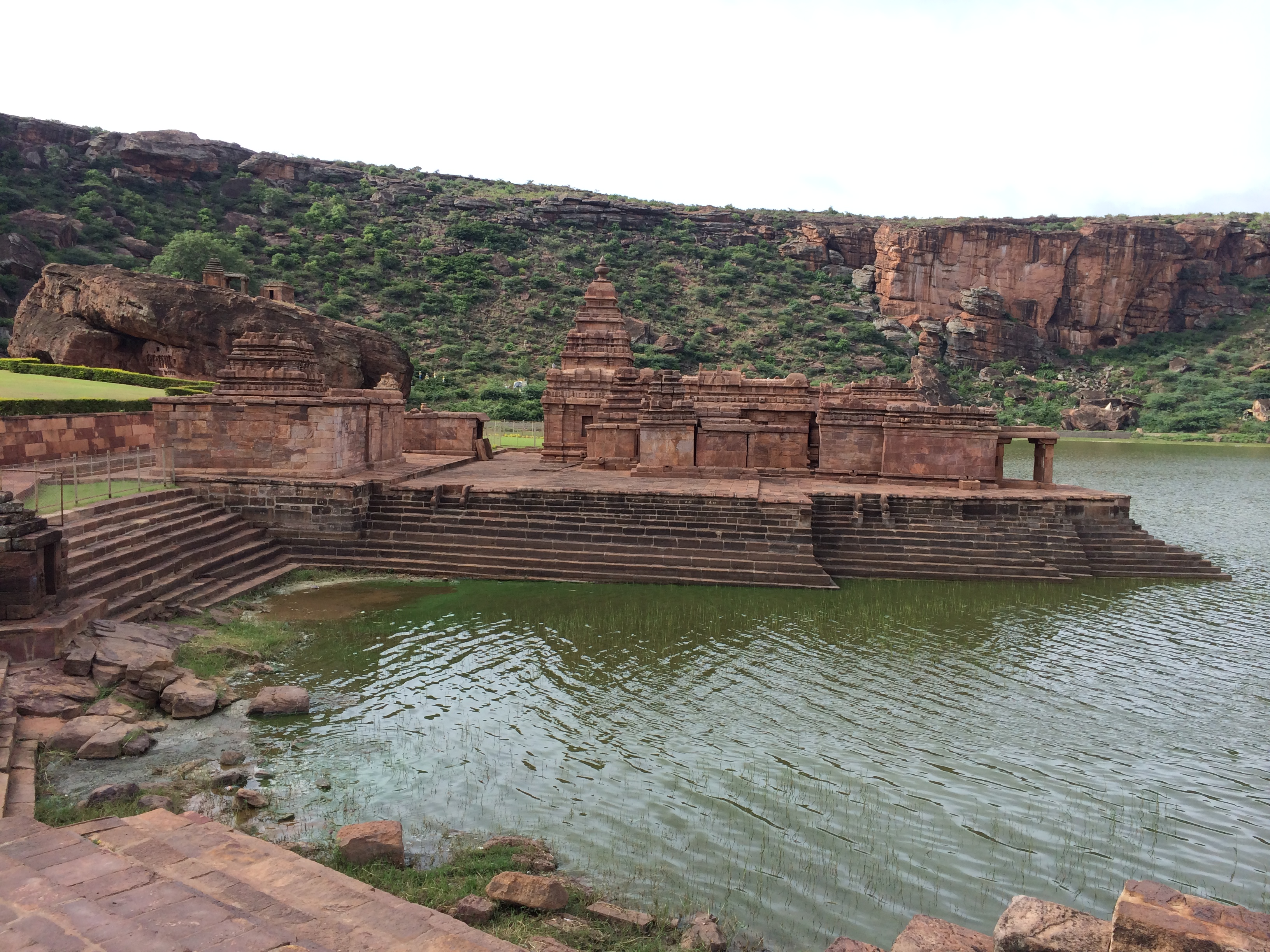 Aihole, Badami, Pattadakal – In 48 Hrs