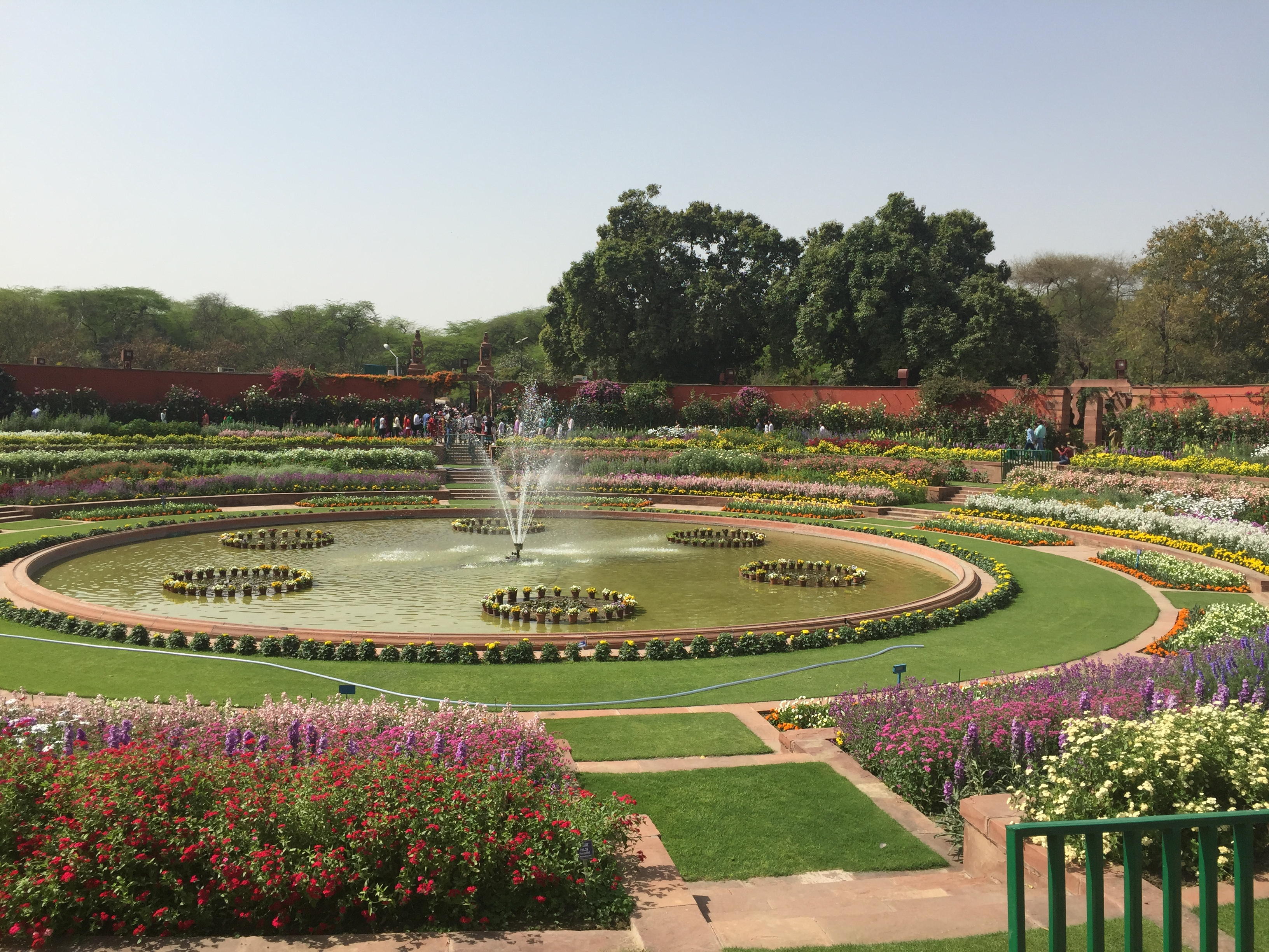 A Visit To Mughal Gardens Rashtrapati Bhawan Few Good Things